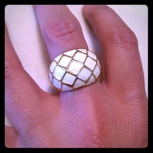 White & gold cocktail ring - sz 7