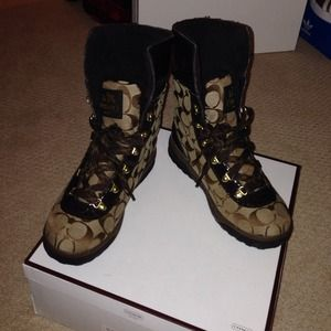 Coach brown signature boots