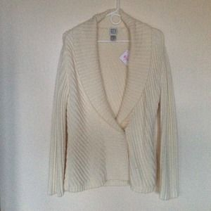 City DKNY Cream Cardigan M