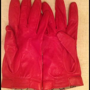 7c09acd753b1 Gucci Accessories - Authentic Gucci Red Leather Gloves