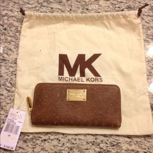 NWT Michael Kors Mocha Zip Around Wallet