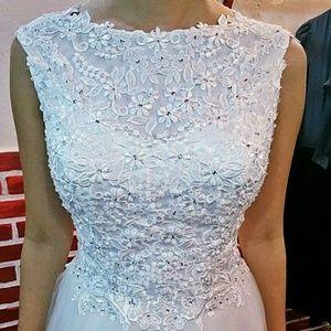 Dresses & Skirts - Charming wedding dress princess style