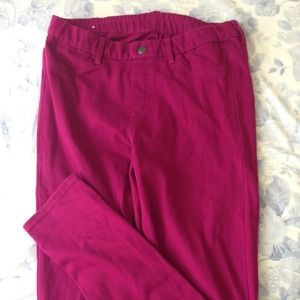 NEW! UNIQLO Fuschia pink jeggings