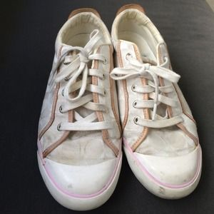 Coach Shoes - ❤️SALE❤️Coach sneakers 9.5 heavily used