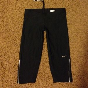 NIKE dri-fit black capri pant