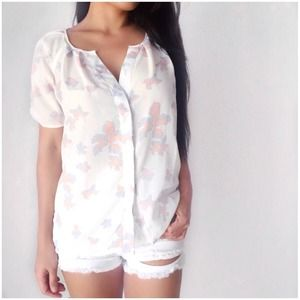 Light weight butterfly print blouse