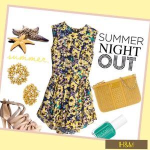 H&M Dresses & Skirts - 🆕H&M Floral Print Swing Dress