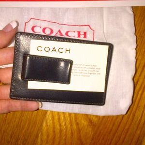 4c4d8dfb76816 Coach Accessories - Coach card holder and money clip