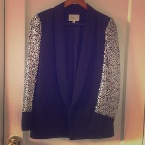 Jackets & Blazers - Gorgeous blazer with silver sequin sleeves