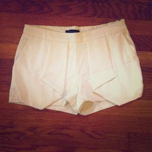 Super Cute White Shorts NWT 