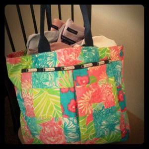 Handbags - Lilly Pulitzer LeSportsac tote
