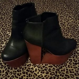 Shoes - ☆REDUCED☆ Privileged (deena) wedge bootie
