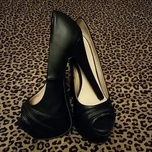 Shoes - ☆REDUCED ☆  Zigi soho (Josie) black