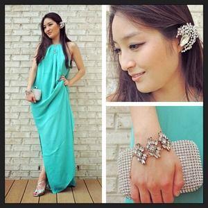 Dresses & Skirts - Seafoam silk maxi dress 😍
