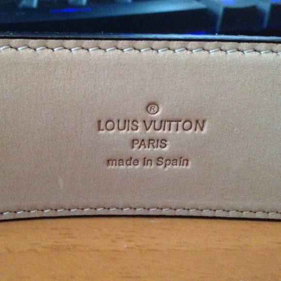 do all authentic louis vuitton bags have serial numbers