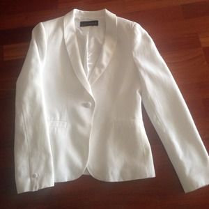 Zara small white blazer with satin collar