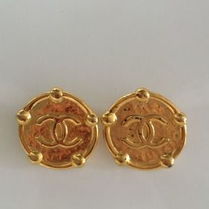 Vintage Chanel CC XL Gold Clip On Earrings