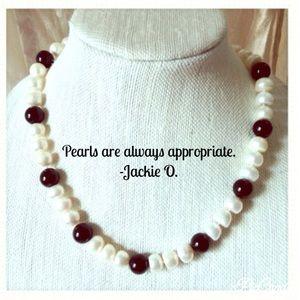 Jewelry - 💯% Genuine PEARLS & Black Onyx Necklace.