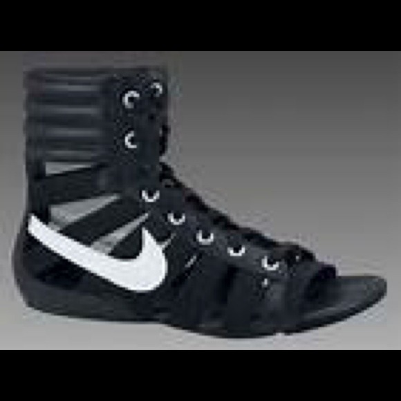 Nike gladiator sandals! Rare and so hot!