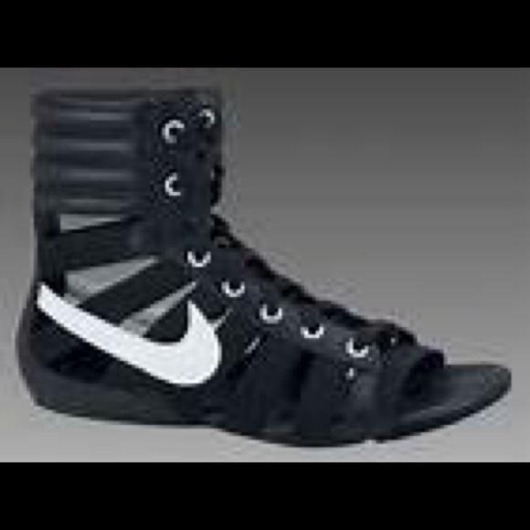 80f0c64bf11 Nike gladiator sandals! Rare and so hot! M 53e6fb9314b1e062cf156ad1
