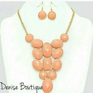Boutique Necklace Set