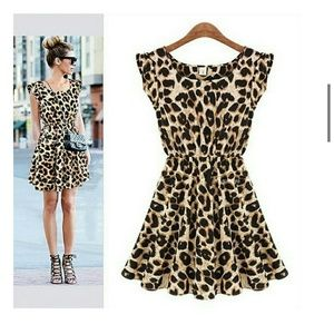 AVAILABLE☆HP☆NWT Casual Leopard Printed Mini Dress