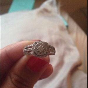14K white gold, diamond engagement ring. New