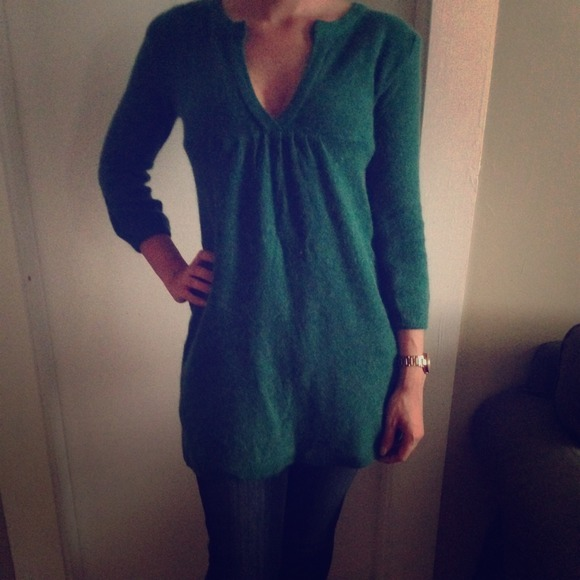 unbranded - Green tunic sweater from Kristan's closet on Poshmark