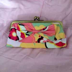 Clutch/Wristlet from fredflare.com