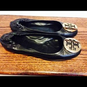 Tory burch black/gold reva flats