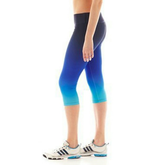 elegant shape look for picked up Xersion workout pants 2 X 20$