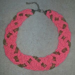 Jewelry - Coral and gold bib necklace