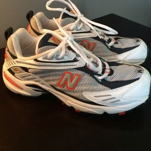 nb cross trainers