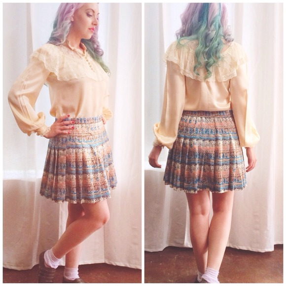 Vintage Skirts - Pleated Print Skirt