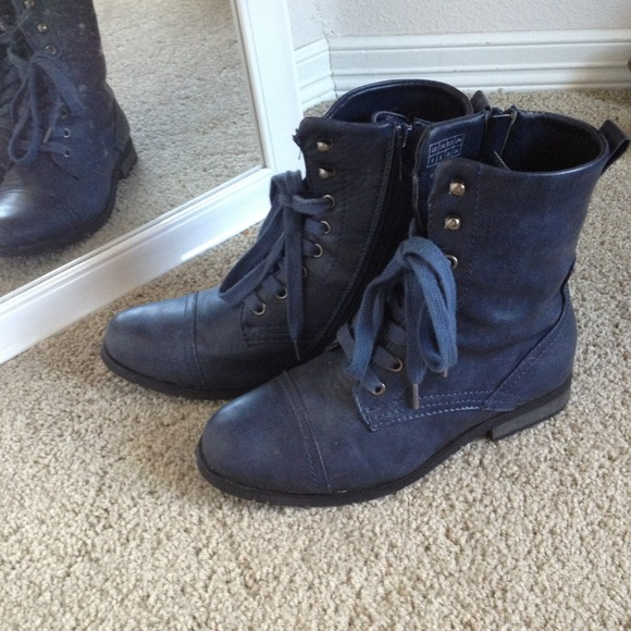 62% off Wanted Boots - Dark blue Wanted Prague combat boots from ...