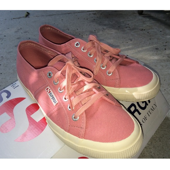 73c0165af89 Superga Dusty Rose Sneakers. M 5402521d0fb6cd3f491e9f87