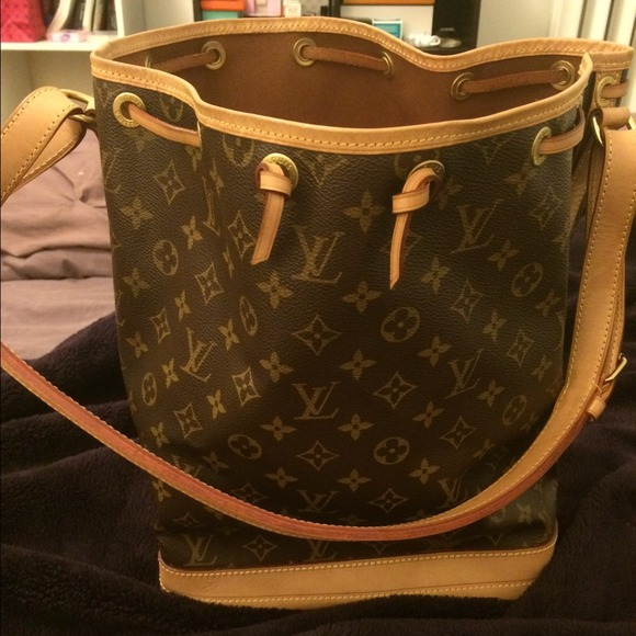 Louis Vuitton Handbags - 💯Authentic Louis Vuitton Monogram Noe Bucket Bag 379d16cd73138