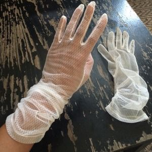 Accessories - Vintage white lace gloves