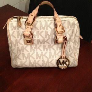 michael kors bags medium vanilla grayson satchel poshmark rh poshmark com