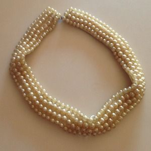 Jewelry - Vintage Pearl Collar Necklace