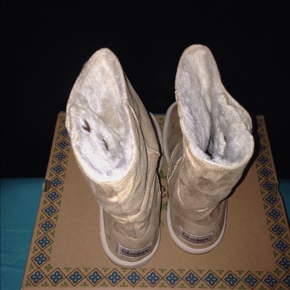 25% Off Skechers Boots - Sketchers Ugg Style Boots! From Melissau0026#39;s Closet On Poshmark