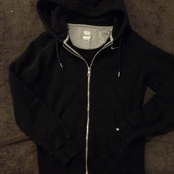 57% off Nike Sweaters - 🎀BUNDLED🎀Women's Nike Black zip up ...