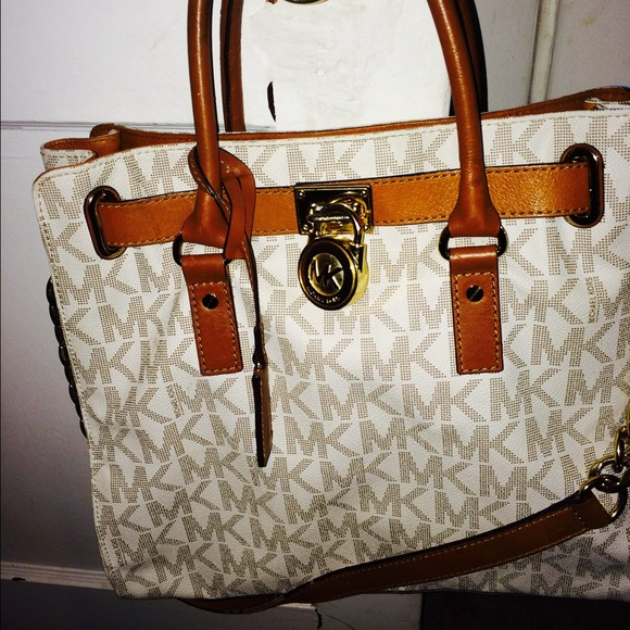 Michael Kors Bags   Selling A Authentic Mk Tote Cream And Brown ... 27f4a2450c