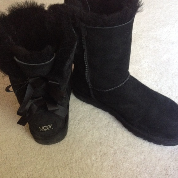 Black Bow Uggs New Condition