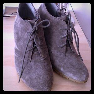 Size 7.5 Sam Edelman booties