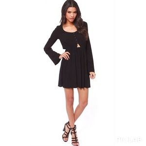 Dresses & Skirts - Boho chic black cut out dress
