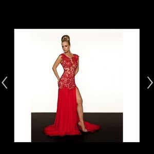 Mac duggal lace gown dress in red
