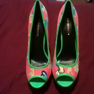 High heels with platform NWOT
