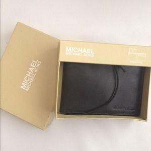 🎀NWT Michael Kors Full Grain Leather Wallet🎀