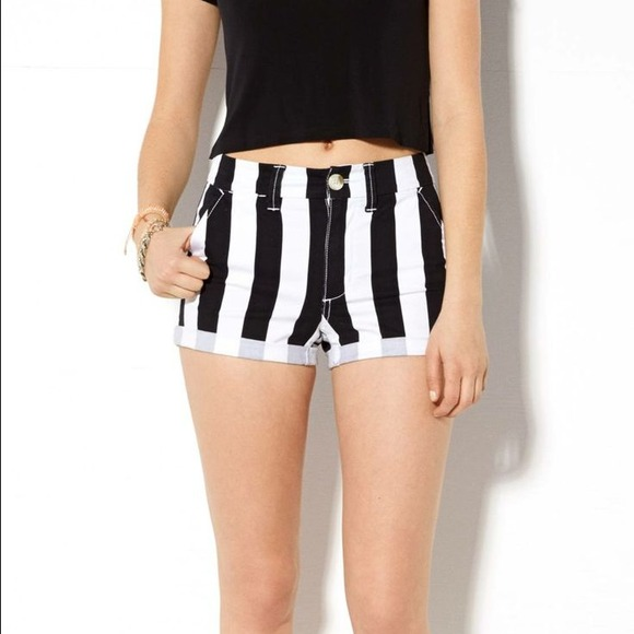 White And Black Striped Shorts - The Else